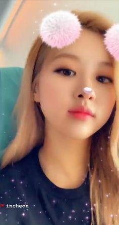 Black Wallpaper, Bts Wallpaper, Rose Adidas, Blackpink Funny, Queen Pictures, Rose Icon, Rose Park, Kim Jisoo, Blackpink Video