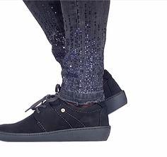 @wolkyshop Deze week op de #catwalk: de 08125 Artemis! Deze veterschoen is nu verkrijgbaar in nieuwe kleuren! Zo kun je eindeloos combineren en loop je ook nog eens comfortabel. Kies de kleur die bij jou past en shop hem snel #feetloveourshoes #artemis #08125 #designedforwalking #wolky #wolkyshoes #wolkyshop #shoes #schoenen #veterschoenen #walking #Enschede #haverstraatpassage