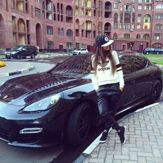 New Girly Luxury Cars Every Girl 59 Ideas Stylish Girls Photos, Stylish Girl Pic, Beautiful Girl Photo, Cute Girl Photo, Simply Beautiful, Beautiful Women, Girl Pictures, Girl Photos, Car Poses