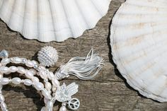 Inspired by some of the world's most stunning beaches, these beautiful pearl bracelets are a must have addition to your ChloBo collection and are perfect for stacking!