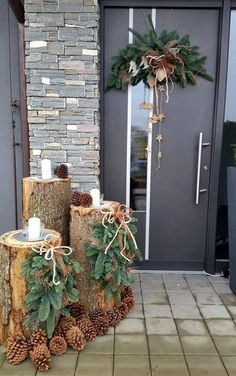 120 beautiful christmas porch decorating ideas - page 3 > Homemytri.Com Noel Christmas, Simple Christmas, Winter Christmas, Christmas Wreaths, Christmas Crafts, Christmas Ideas, Beautiful Christmas, Homemade Christmas, Christmas Planters