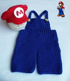 Conjunto Mario Bros (Newborn) Baby Sweater Patterns, Knit Crochet, Crochet Hats, Crochet Baby Clothes, Crochet For Boys, Diaper Covers, Baby Costumes, Super Mario Bros, Baby Sweaters