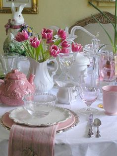 Links to 40 Easter table ideas - But I just LOVE that pink teapot and white pitcher!