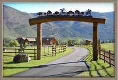 San Ysidro Ranch Wedding by Jose Villa Farm Entrance, Driveway Entrance, Entrance Ideas, Front Gates, Entrance Gates, Vie Simple, Ranch Farm, Farm Gate, Ranches For Sale