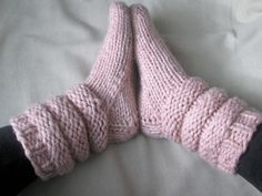 Slipper Socks Knitting Pattern - Pattern for Chunky Knit Slipper Socks with Slouch Cuff - Super Bulky Yarn Pattern - Bed Socks Pattern Knitted Slippers, Slipper Socks, Crochet Slippers, Knit Or Crochet, Knitting Socks, Hand Knitting, Knitting Patterns, Crochet Patterns, Slouch Socks