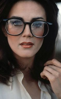 Beautiful Celebrities, Most Beautiful Women, Beautiful Actresses, Linda Carter, Geek Glasses, Actrices Sexy, Celebrities Before And After, Arte Dc Comics, Actor Photo