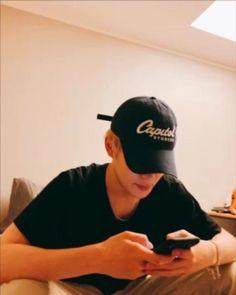 〈ғᴀɴғɪᴄᴛɪᴏɴ × ɪᴍᴀɢɪɴᴇꜱ〉 ↳ Jung Jaehyun & You, feat NCT Berkat uang t…