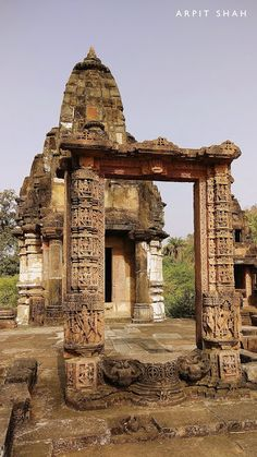Temple Ruins, Jain Temple, Indian Temple, Beautiful Ruins, Indian Architecture, Lost City, Pilgrimage, Deities, The Locals