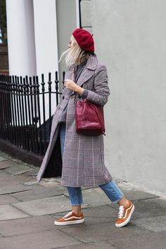 Paris Outfits, Outfits With Hats, Fall Outfits, Fashion Outfits, Oufits Casual, Casual Outfits, Beret Outfit, Outfits Mujer, Classic Outfits