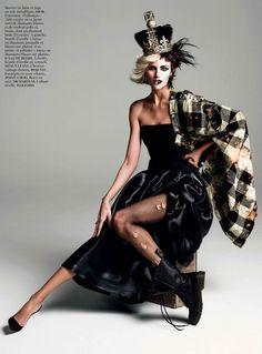 Photographers: Ines van Lamsweerde and Vinoodh Matadin  Model: Anja Rubik  Styling: Emmanuelle Alt  Make-up: Lisa Butler
