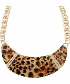 GUESS Tortoise Collar Necklace #accessories  #jewelry  #necklaces  https://www.heeyy.com/suggests/guess-tortoise-collar-necklace-gold-tortoise/