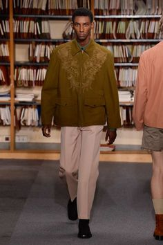 Dries Van Noten Spring 2018 Menswear Fashion Show