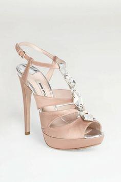 Najgorętsze buty ślubne - luksusowo vs. ekonomicznie