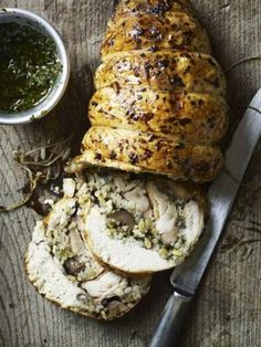 Chicken with Garlic and Chestnut Stuffing - Gordon Ramsey Gordon Ramsay Home Cooking, Chefs, Chef Gordon Ramsey, Gula, Good Food, Yummy Food, Cooking Recipes, Healthy Recipes, Game Recipes