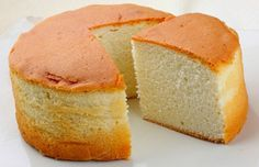 Sponge cake is the basic cake for birthday cake, it has mild flavour and its texture is soft and spongy. Once you have mastered the baking technique of sponge cake, you can easily DIY you own birth… Sponge Cake Recipe From Scratch, Sponge Cake Recipes, Japanese Sponge Cake Recipe, Healthy Dessert Recipes, Baking Recipes, Eggless Recipes, Blueberry Recipes, Pastry Recipes, Meals
