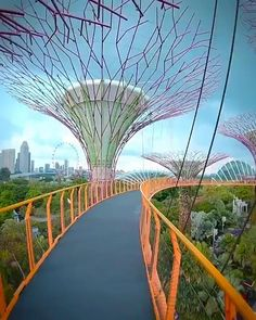Beautiful Places To Travel, Cool Places To Visit, Japon Illustration, Singapore Travel, Gardens By The Bay, Futuristic Architecture, Dream Vacations, Adventure Travel, Vacation Places
