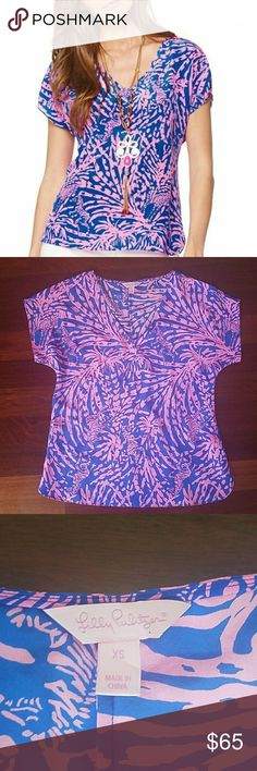 fddfe2e4cd9427 Lilly Pulitzer Asher Dolman Sleeve Zebra Top XS Lilly Pulitzer Asher Dolman Sleeve  silk top in pink and blue Rollin in the Grass zebra print.