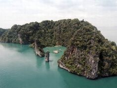 Cinema on the Sea: The Yao Noi Floating Movie Theater in Thailand