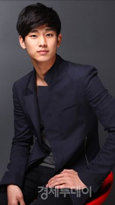 Kim Soo Hyun 김수현    1988    180cm    Dream High    The Moon Embracing The Sun    My Love From The Star    The Producers
