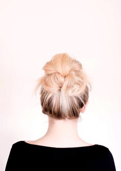 Messy Bun For Long Hair Bun Hairstyles For Long Hair, Hair Dos, Pretty Hairstyles, Updo Hairstyle, Summer Hairstyles, Wedding Hairstyles, Great Hair, Gorgeous Hair, Hair Hacks