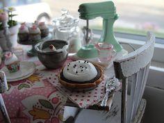 Chocolate cream pie 1:12 Kim Saulter