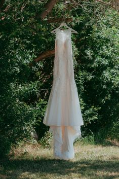Real Life Backyard Farm Wedding Get inspired for your own backyard wedding. Farm Wedding, Wedding Day, Something In The Way, Backyard Farming, Real Life, Inspired, Wedding Dresses, Summer, Photography