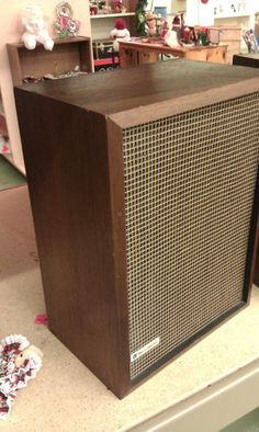 Bell and Howell Speakers,wood vintage,nice mesh,part #032233-excellent cond.wow