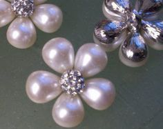 20 Pieces 23 mm Pearl and Rhinestone Silver Metal by zzlaca