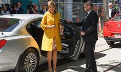 Queen Máxima looked chic and cheerful in a vibrant yellow coat.<br><br>Photo: © Getty Images