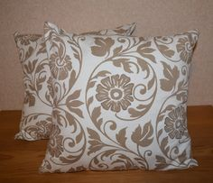 TAN & WHITE FLORAL PILLOWS. #throwpillows #floralpillows #tanpillows #elegantpillows