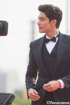 Sung Hoon gives me life oml <3 <3 <3 <3 <3 <3 <3 <3 <3 <3 <3