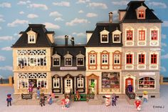 The first thing I ever bought as an adult Playmobil collector was the 5300 Victorian mansion. I had model dolls houses before but this was, and still is one o… Victorian Rooms, Victorian Dollhouse, Victorian House, Houghton Hall, Rainy Day Crafts, Backyard Studio, Shop Buildings, Battery Operated Lights, Mobiles