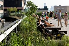 Besides being a green pathway, the High Line offers a long line of activities for all ages including art projects, open air theater, meditation sessions and gardening training.