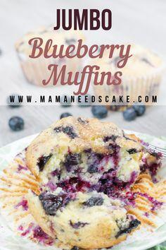 Moist Jumbo Blueberry Muffins - Mama Needs Cake - Breakfast Recipes Muffin Recipes, Brunch Recipes, Baking Recipes, Breakfast Recipes, Dessert Recipes, Blueberry Breakfast, Blueberry Cake, Moist Blueberry Muffins, Breakfast Muffins