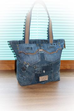Одноклассники Jean Purses, Purses And Bags, Satchel, Crossbody Bag, Jean Crafts, Denim Purse, Diy Handbag, Purse Patterns, Balenciaga City Bag