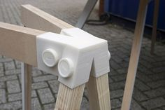 3D Printed Joints for Customized Furniture http://3dprintboard.com/showthread.php?2951-Wood-Furniture-Designed-using-3D-Printed-Joinery