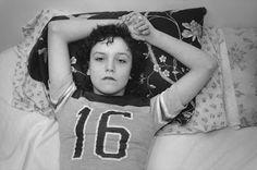 Persiguiendo a Tiny, 13 años, prostituta. La historia de cómo una pareja de artistas documenta e intenta rehabilitar la vida de una niña adicta al crack. M.E. Torres | El País, 2016-10-20 http://elpais.com/elpais/2016/10/17/icon/1476713401_190846.html