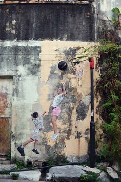 """"""" I went to the market mon p'tit panier sous le bras..."""" ( Gilles Vigneault ) / Basketball for ever... / Street art. / Georgetown. / Penang. / Photo by Lindsey Rose."""