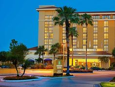Orlando (FL) Embassy Suites Hotel Orlando International Drive South Convention Center United States, North America Stop at Embassy Suites Hotel Orlando International Drive S to discover the wonders of Orlando (FL). Featuring a complete list of amenities, guests will find their stay at the property a comfortable one. Service-minded staff will welcome and guide you at the Embassy Suites Hotel Orlando International Drive S. All rooms are designed and decorated to make guests feel...