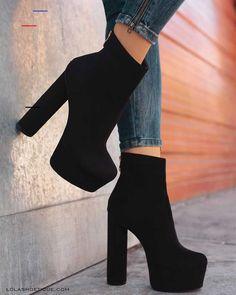 58 Fancy Shoes That Make You Look Fabulous Source by shoes Fancy Shoes, High Shoes, Pretty Shoes, High Heel Boots, Shoe Boots, Black High Heels, Boots With Heels, High Heels Outfit, Platform Shoes Heels