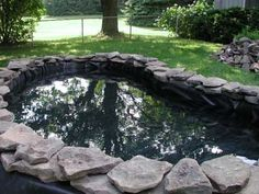DIY Duck Pond above ground Backyard Aquaponics, Ponds Backyard, Backyard Landscaping, Dog Yard, Farm Yard, Pond Design, Garden Design, Fish Pond Gardens, Goldfish Pond