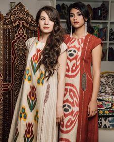 162 отметок «Нравится», 4 комментариев — ArtBox (@artboxuz) в Instagram: «Подготовка к торжеству - всегда волнительно и хлопотно. Но любую подготовку можно сделать приятнее…» Batik Kebaya, Batik Dress, Batik Fashion, Ethnic Fashion, Couture Dresses, Fashion Dresses, Vintage Street Fashion, Boho Fashion Summer, Ethnic Dress