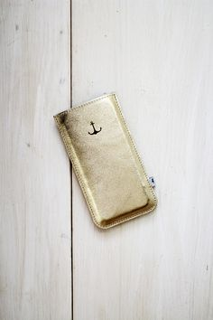 Handytasche aus goldenem Leder mit Anker / smartphone case, gold, leather, anchor by ElektroPulli via DaWanda.com