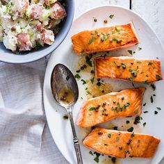 Healthy Quick & Easy MyPlate-Inspired Dinners // Seared Salmon with Green Peppercorn Sauce Heart Healthy Recipes, Healthy Foods To Eat, Healthy Snacks, Healthy Eating, Healthy Breakfasts, Healthy Sugar, Green Peppercorn, Peppercorn Sauce, Seafood Recipes