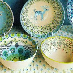 In my many years of scoping out flea markets, craft fairs, juried art exhibitions and gift shops, I've encountered a lot of ho-hum pottery and ceramics. You've probably seen them too &#…
