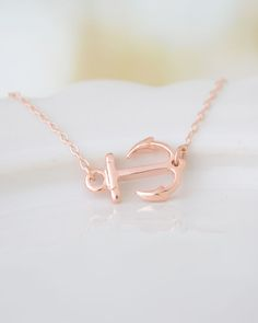 Sideways Rose Gold Anchor Pendant Necklace this would be pretty with pastel colors neat idea for the wedding party Nautical Necklace, Anchor Necklace, Gold Necklace, Pendant Necklace, Necklace Ideas, Rose Gold Jewelry, I Love Jewelry, Jewelry Accessories, Fashion Accessories