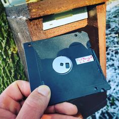 "Here's a creative way to put those old 3.5"" floppies to use in #geocaching.   (GeocachingBlogger pic) #IBGCp"