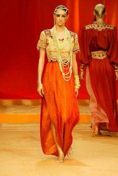 Algerian Fashion: red karakou