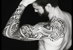 Viking Jormungand Tattoo was one of the most famous Viking Tattoos. The Viking Jormungand Tattoo somehow reflected the Ouroboros Tattoo representing the infinite circle of life and death. Celtic Sleeve Tattoos, Viking Tattoo Sleeve, Full Sleeve Tattoos, Irish Celtic Tattoos, Celtic Knot Tattoo, Ouroboros Tattoo, Norse Tattoo, Armor Tattoo, Viking Tattoos For Men