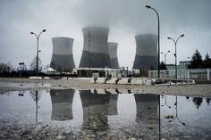 La ville et le canton de Genève ont intenté mercredi 2 mars une action pénale au sujet de la centrale nucléaire française du Bugey, jugée dangereuse par les Suisses.